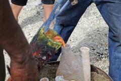 Coulée du bronze dans le moule